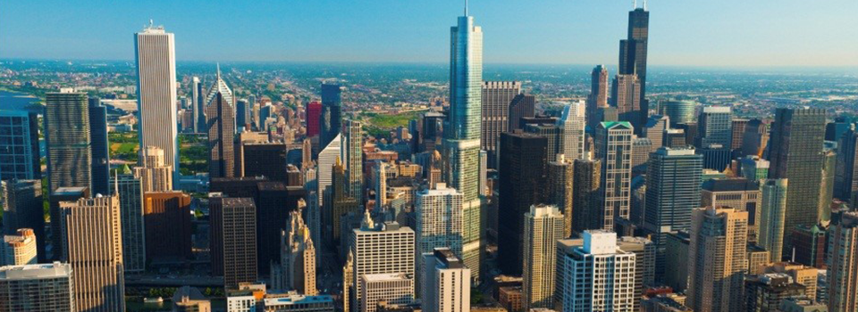 Chicago Skyline with view of Willis Tower, Trump Tower, and Aon Center